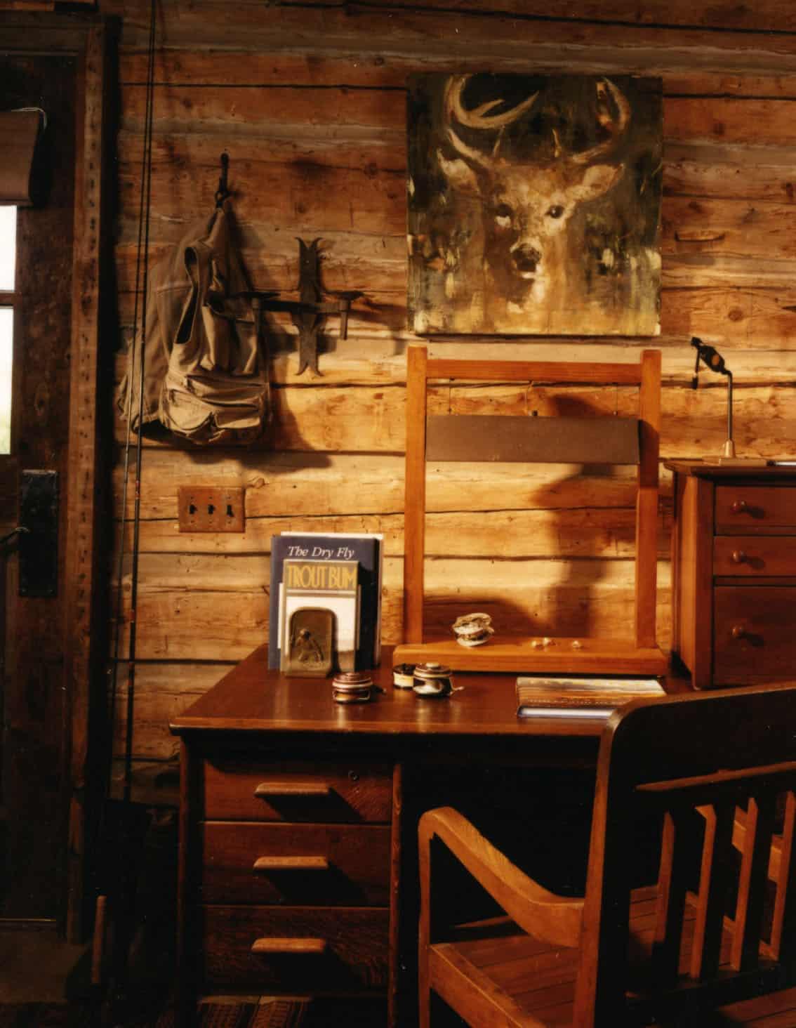 fishing-cabin-workspace