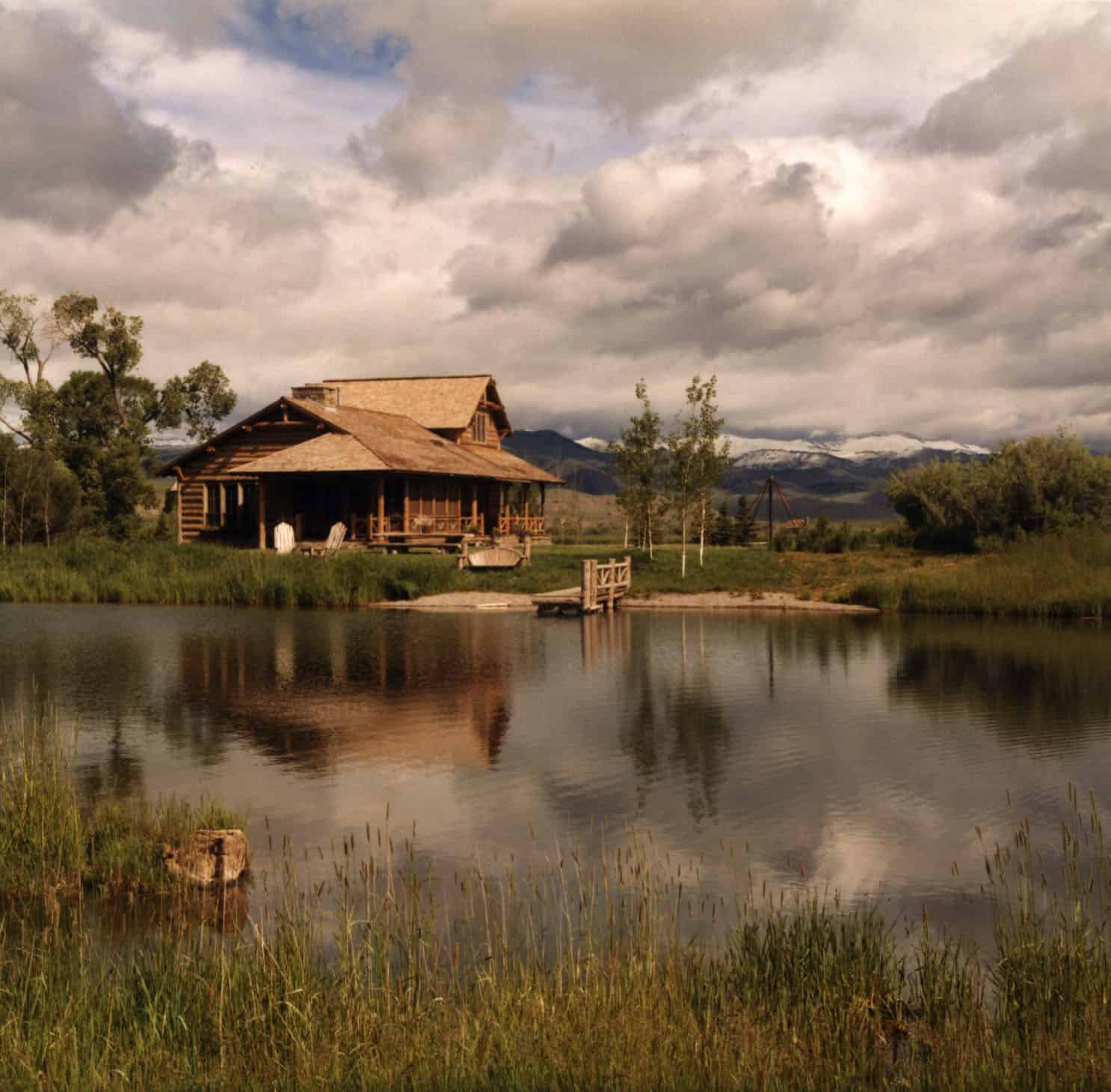 rustic-guest-cabin