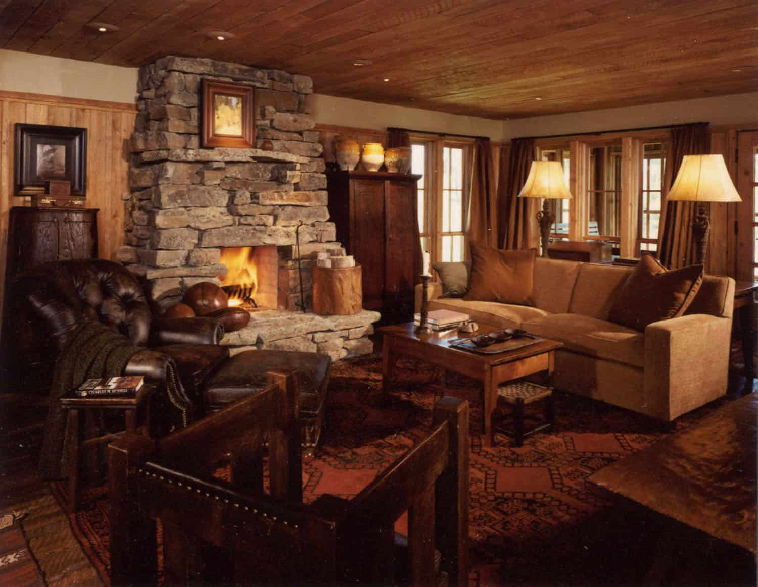 rustic-bunkhouse-living-room