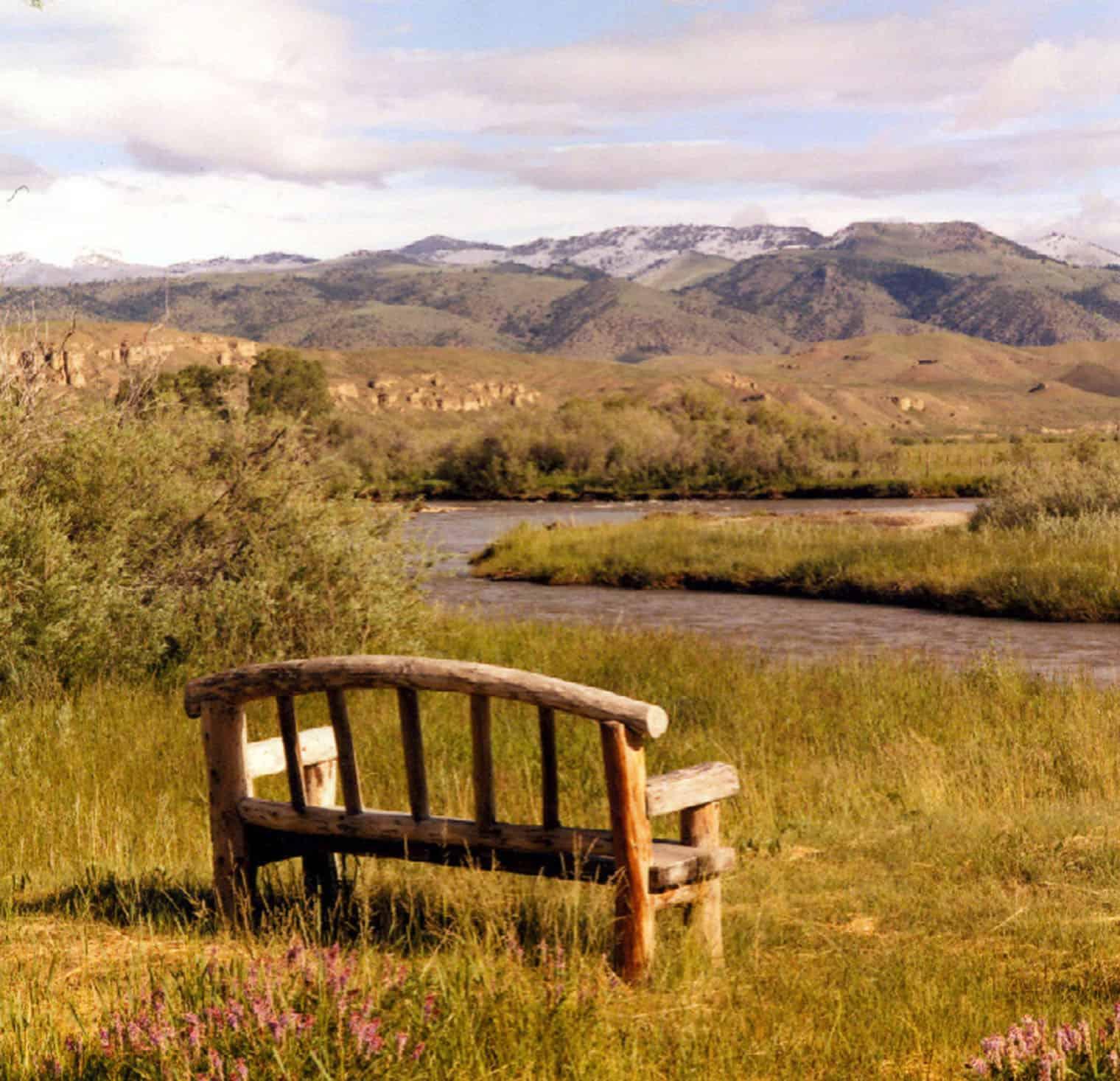 rustic-ranch-house-retreat-landscape