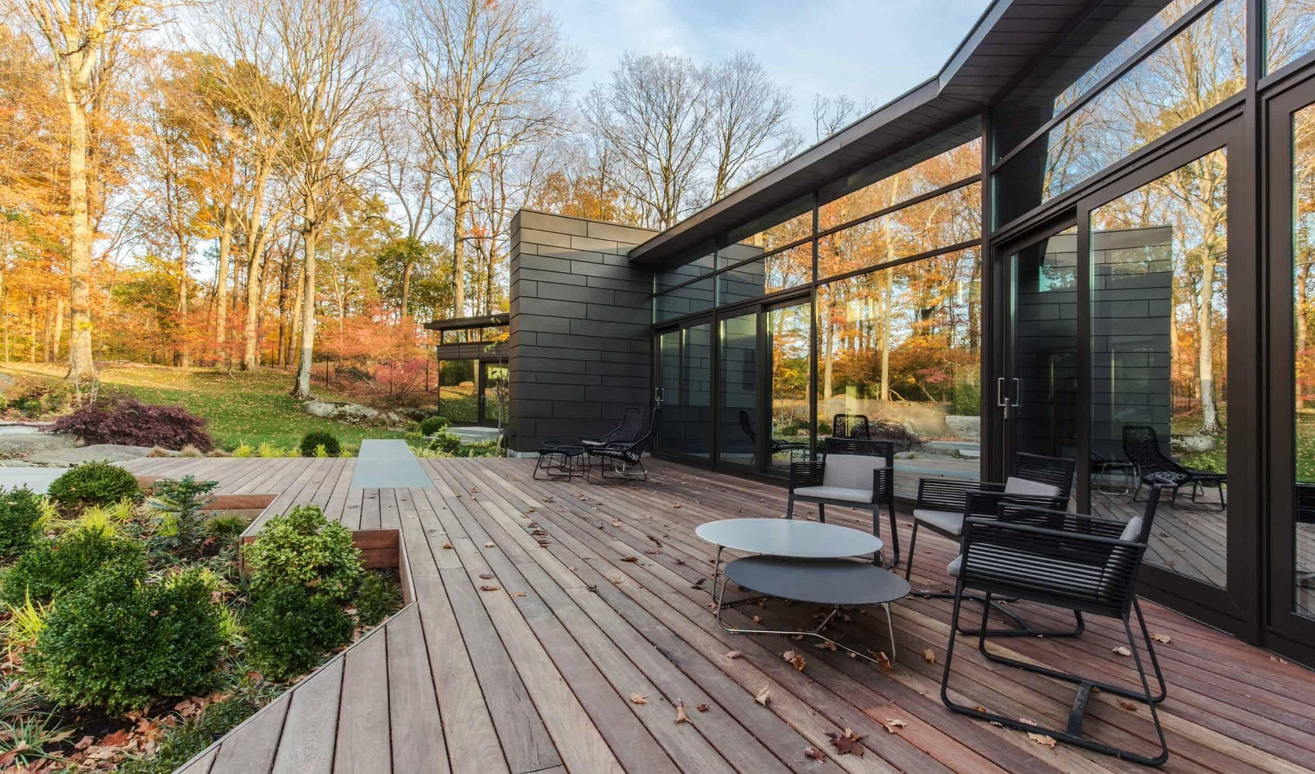 efficient-modern-home-patio
