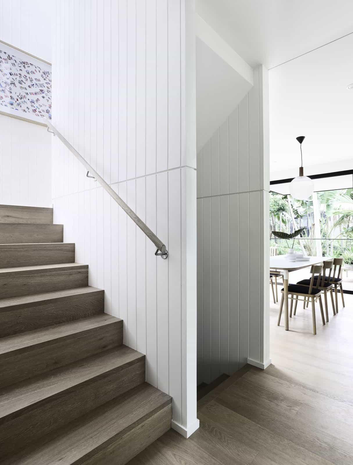 contemporary-rainforest-retreat-staircase