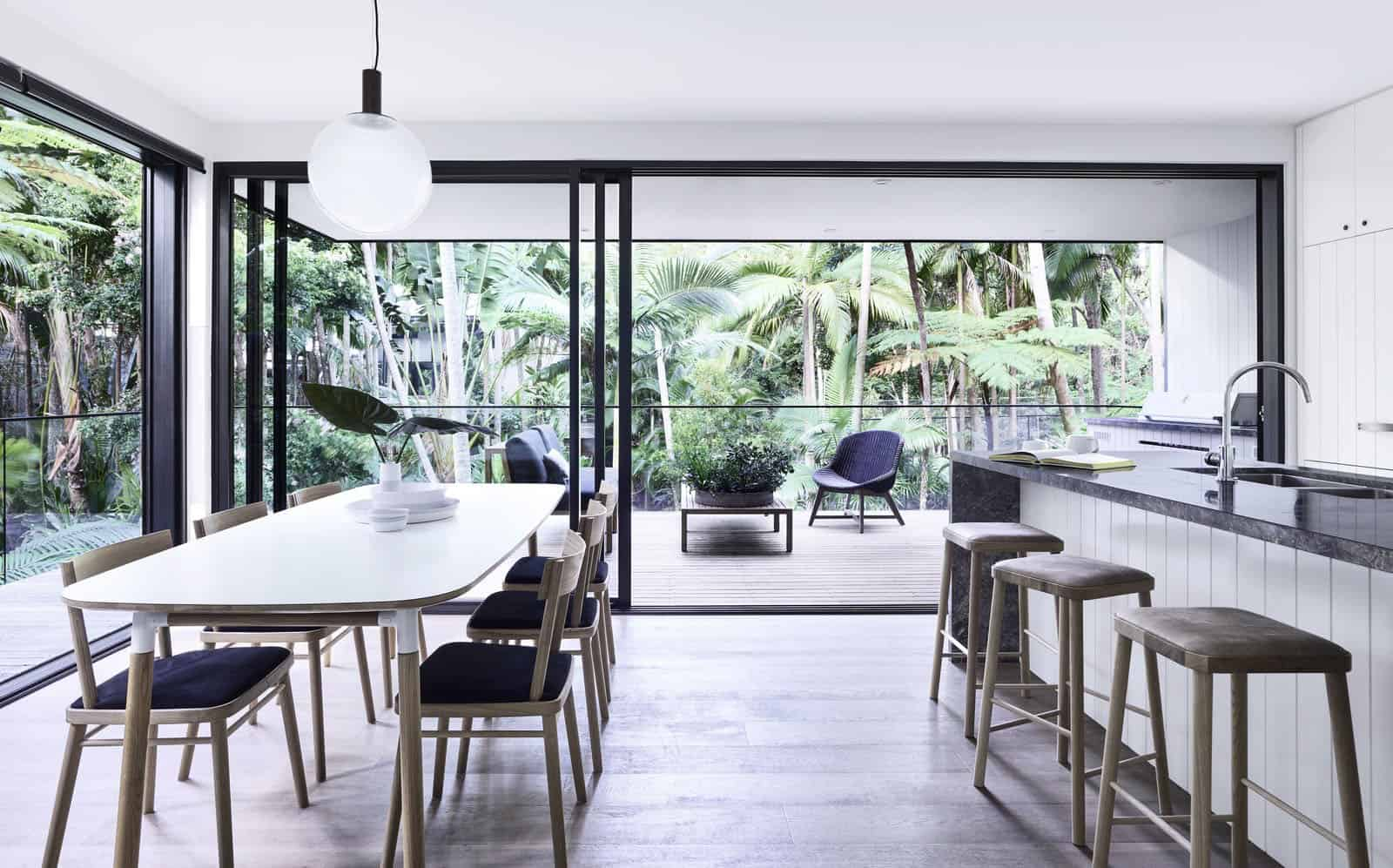 tropical-retreat-kitchen-and-dining-room