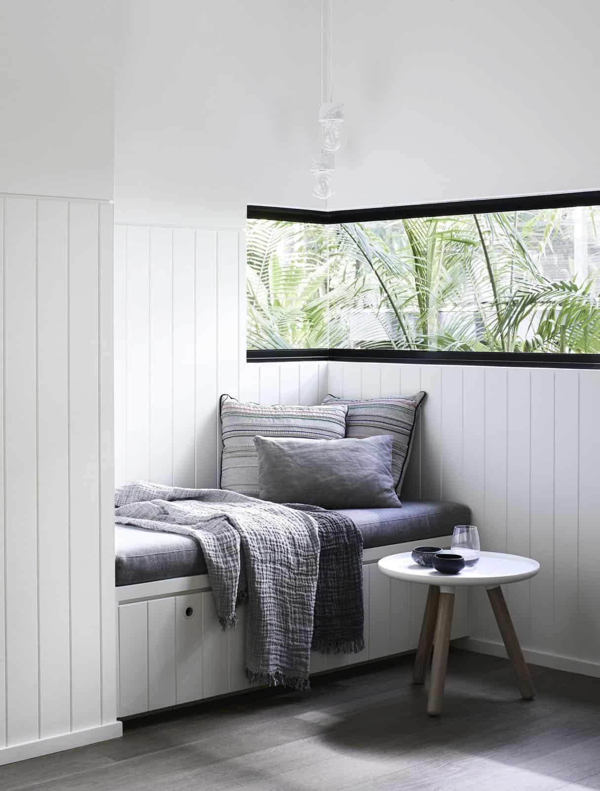 tropical-retreat-built-in-window-seat