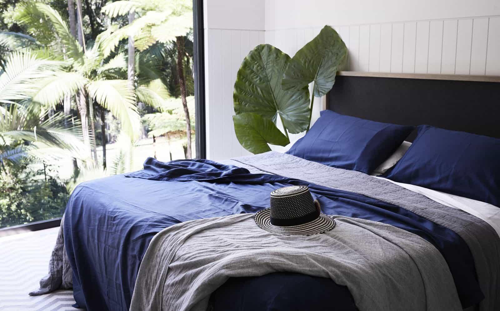 tropical-retreat-bedroom