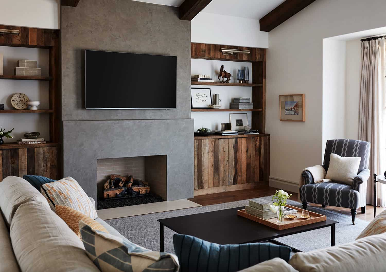 mediterranean-family-room
