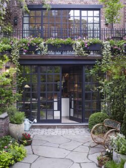 industrial-townhouse-exterior-patio